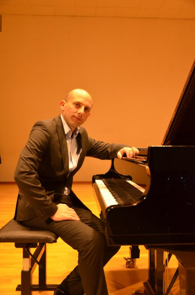 Redjan Tequja - pianoforte